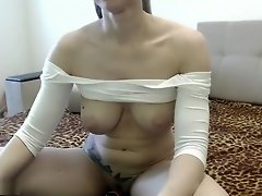 Ass Shakes Before The Camera video on WebcamWhoring.com