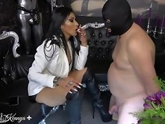Mistress Kennya: A slap for every wank video on WebcamWhoring.com