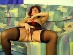 Fingerfucking Dirty Old Grandma video on WebcamWhoring.com