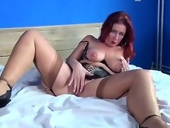 Sexy Mature Mom and Wife FROM SEXDATEMILF.COM with very Hungry Pussy video on WebcamWhoring.com