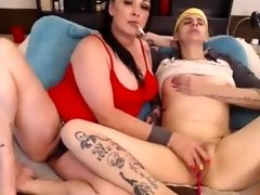 Milf Smokes Gives Young American Girl Orgasm video on WebcamWhoring.com