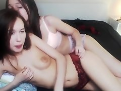 linda_lawrence masturbates and flowing from caresses his finger video on WebcamWhoring.com