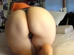 Phat Ass Farting video on WebcamWhoring.com