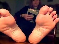 Sexiest Teen Plump Feet video on WebcamWhoring.com