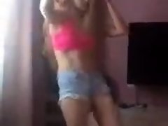 hottie in shorts dancing video on WebcamWhoring.com