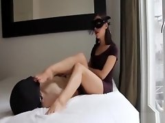 Guy licks mistress feet while she jerks his dick video on WebcamWhoring.com