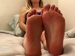 Stick out your tongue and clean my sweaty feet video on WebcamWhoring.com