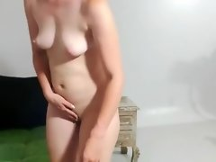 Blonde Is Rubbing Her Cunt video on WebcamWhoring.com