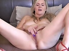 Canadian mom Velvet Skye needs a good sex video on WebcamWhoring.com
