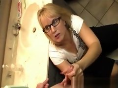 Spex amateur cougar wanking oiled dick video on WebcamWhoring.com
