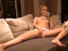 Cutie Does Bottle Insertion Here video on WebcamWhoring.com