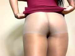 Pantyhose masturbation and pee video on WebcamWhoring.com