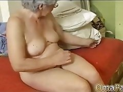 OmaPasS Naked Grandma Showoff Hairy Footage video on WebcamWhoring.com