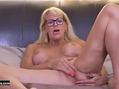 Canadian mother Needs Good Sex video on WebcamWhoring.com