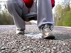 Piss on the road video on WebcamWhoring.com