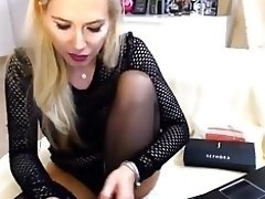 Sandra in black stocking lick her nylon feet video on WebcamWhoring.com