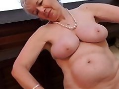 Granny from UK Caroline feeding her old cunt video on WebcamWhoring.com
